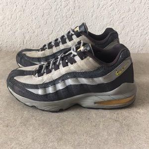 Boys Nike Air Max Shoes Size 5.5Y
